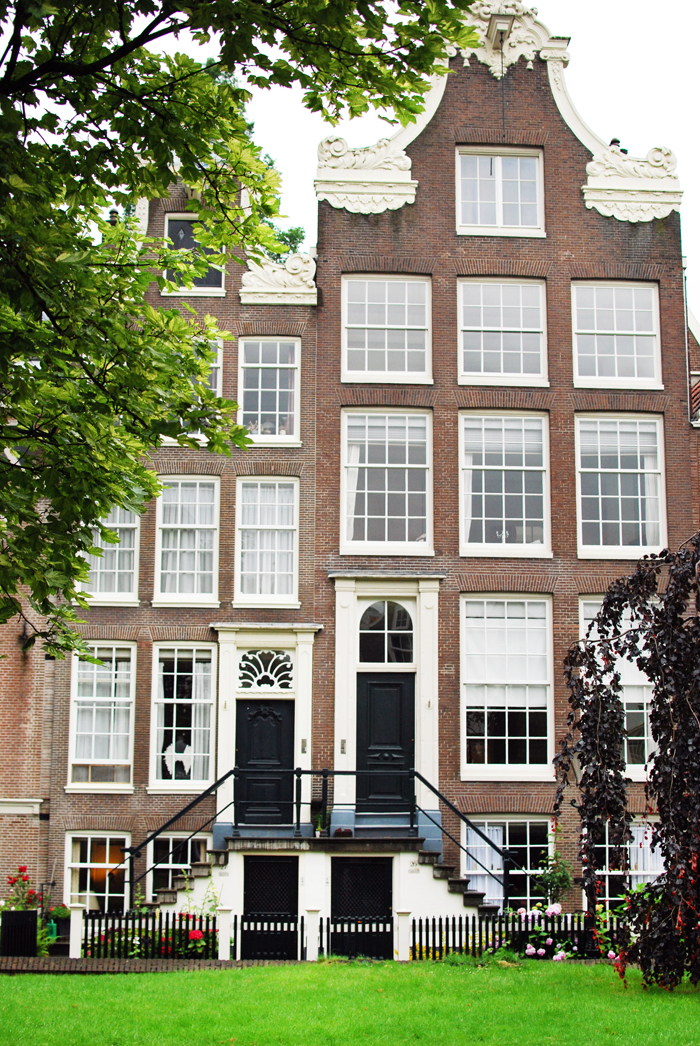 "Begijnhof, ""48 Hours in Amsterdam"" 