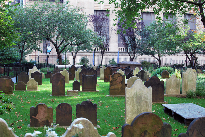 Graveyard at Trinity, NYC | Em Busy Living