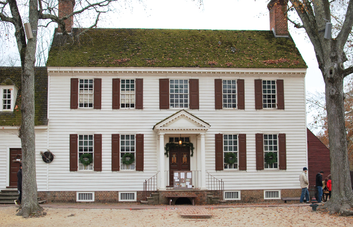 Visiting Colonial Williamsburg, Virginia | Em Busy Living