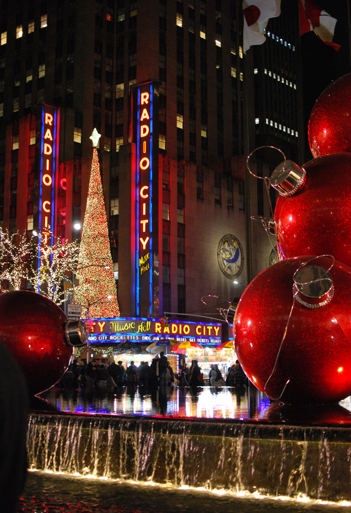 Christmastime in NYC | Em Busy Living
